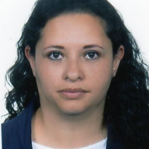 Elizabeth Velasteguí  Flores